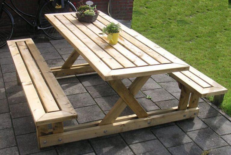 چوب های با دوام برای ساخت مبلمان چوبی فضای باز