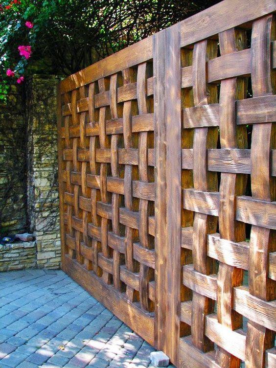 انواع چوب های مقاوم در فضای باز